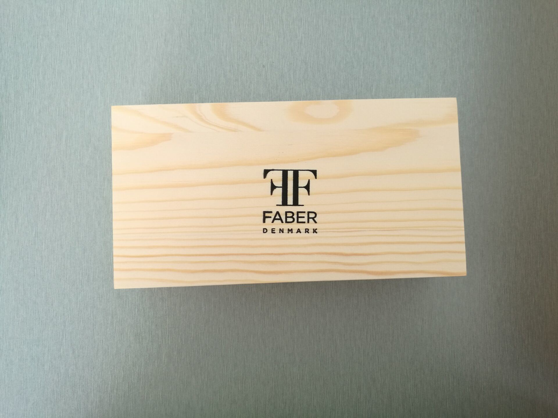 Natural-Pine-Wood-Box-for-Watch-with-Logo-Screen-Printing